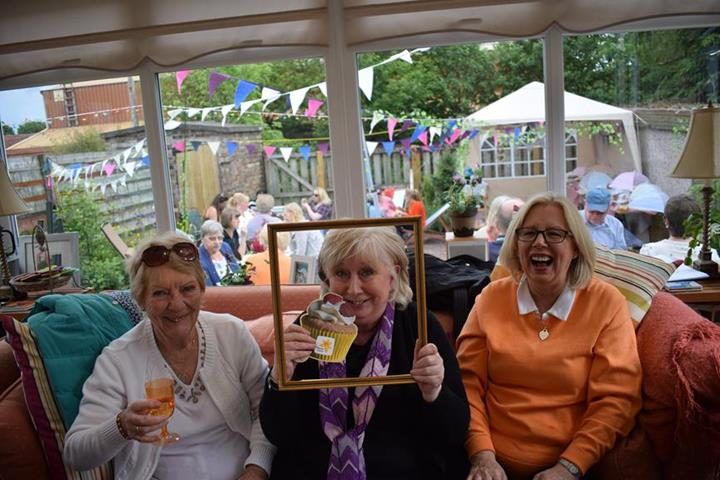 Marie Curie fundraiser raises over £1100 through the power of cake